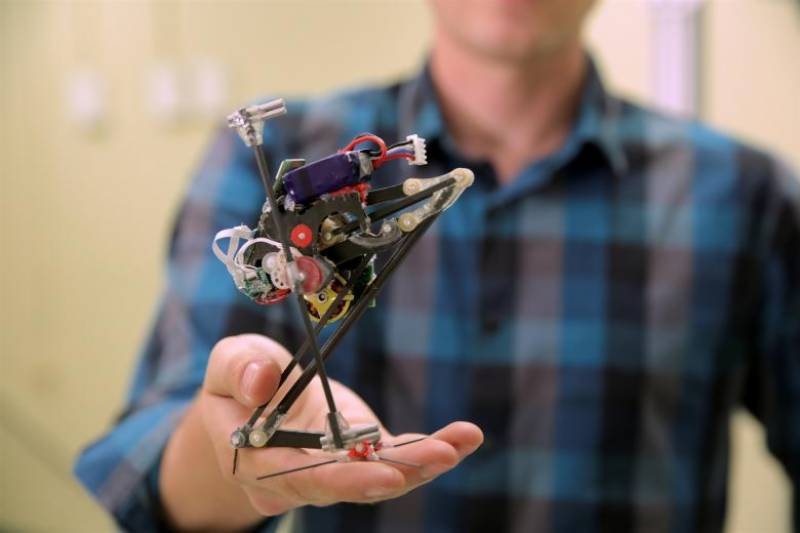 Scientists develop leaping robot named 'Salto'