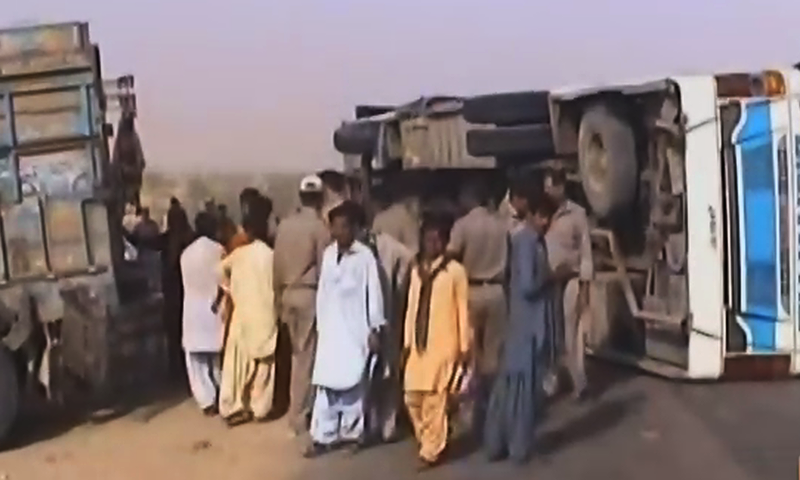 7 killed, 10 injured in Balochistan's Dalbandin road mishap