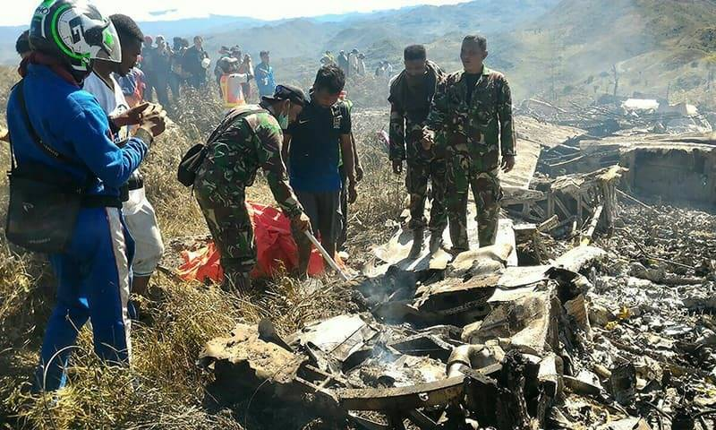 10 military personnel, 3 pilots killed as Indonesian air force plane crashes in Papua