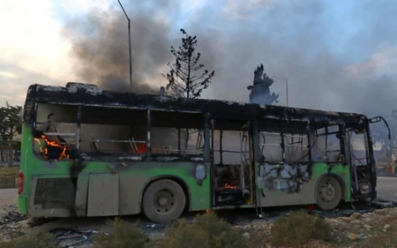 Aleppo evacuation convoy under deadly attack