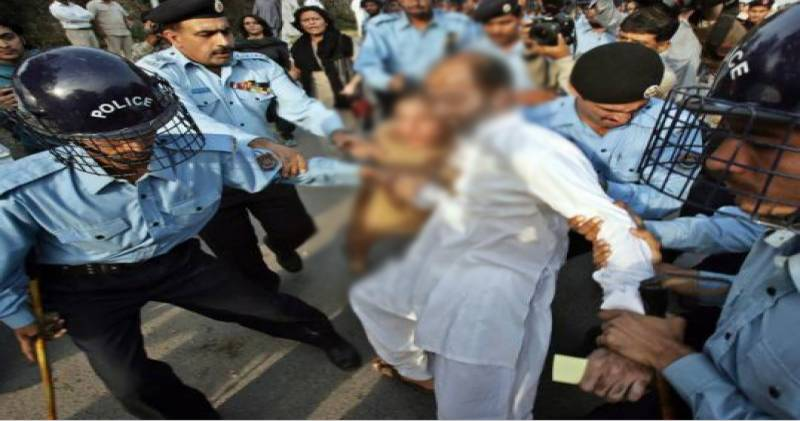 Police bangs PML-N candidate to get votes out of his throat