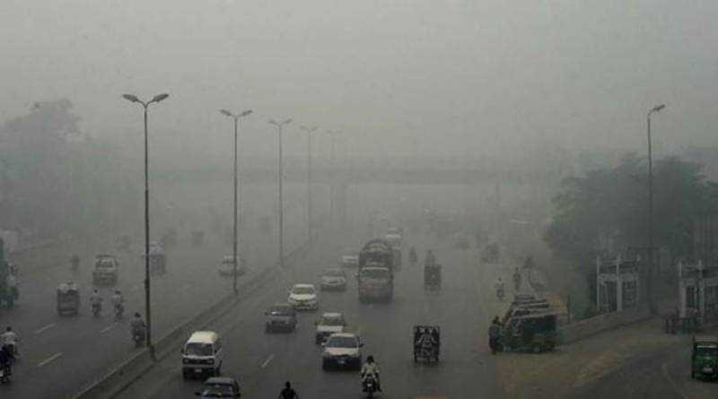 Dense fog covers most parts of Punjab, Sindh