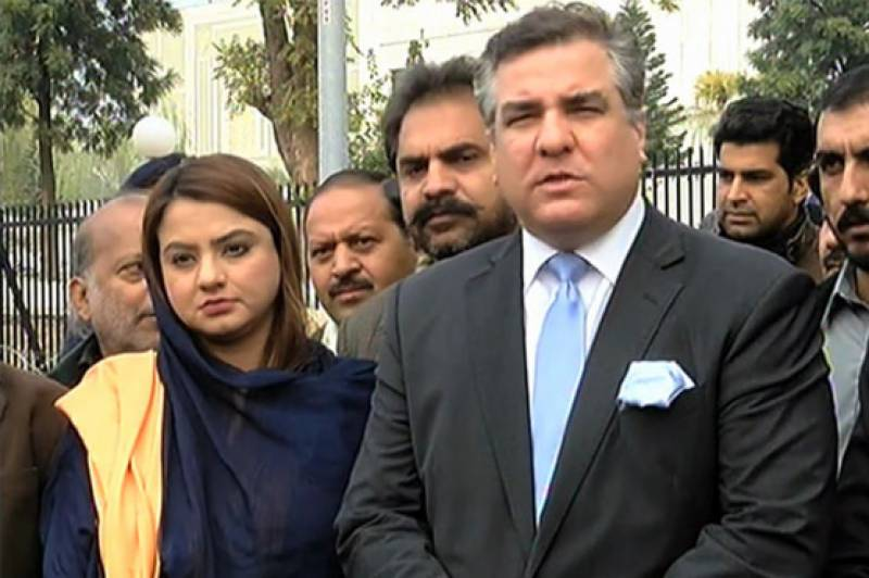 PML-N leaders adopt strict tone against PTI over Panamagate case