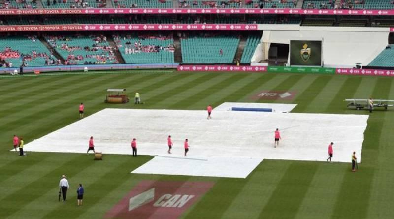 Sydney Test 3rd Day: Younis, Azhar resume match after rain
