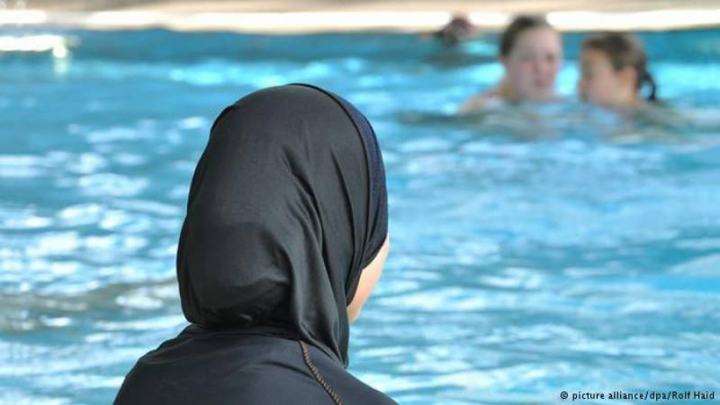 Swiss law bounds Muslim girls to attend co-swimming classes