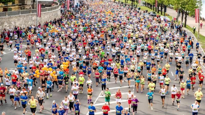At least 40,000 participate in Mumbai marathon