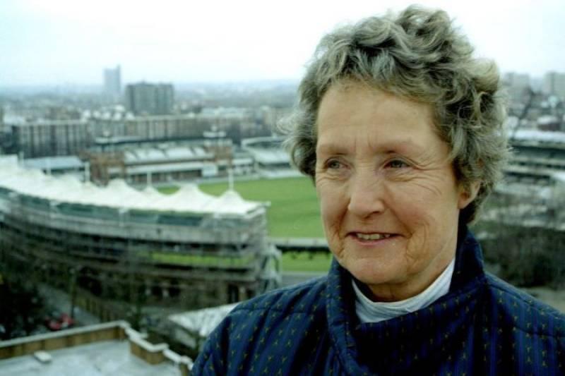 Former England women's captain Heyhoe Flint dies