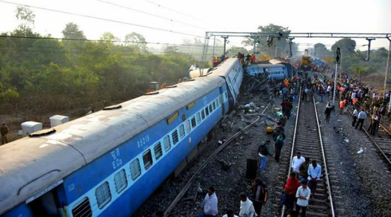 Death toll raised to 39 as Indian train derails