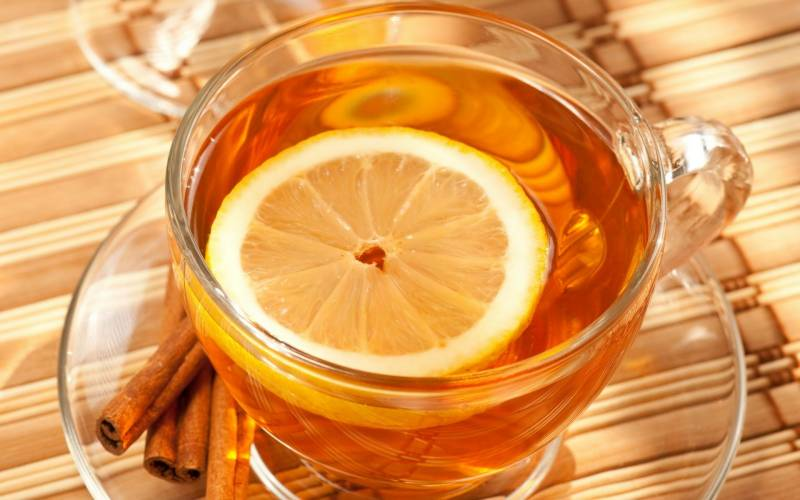 Herbal tea to soothe sore throat and flu