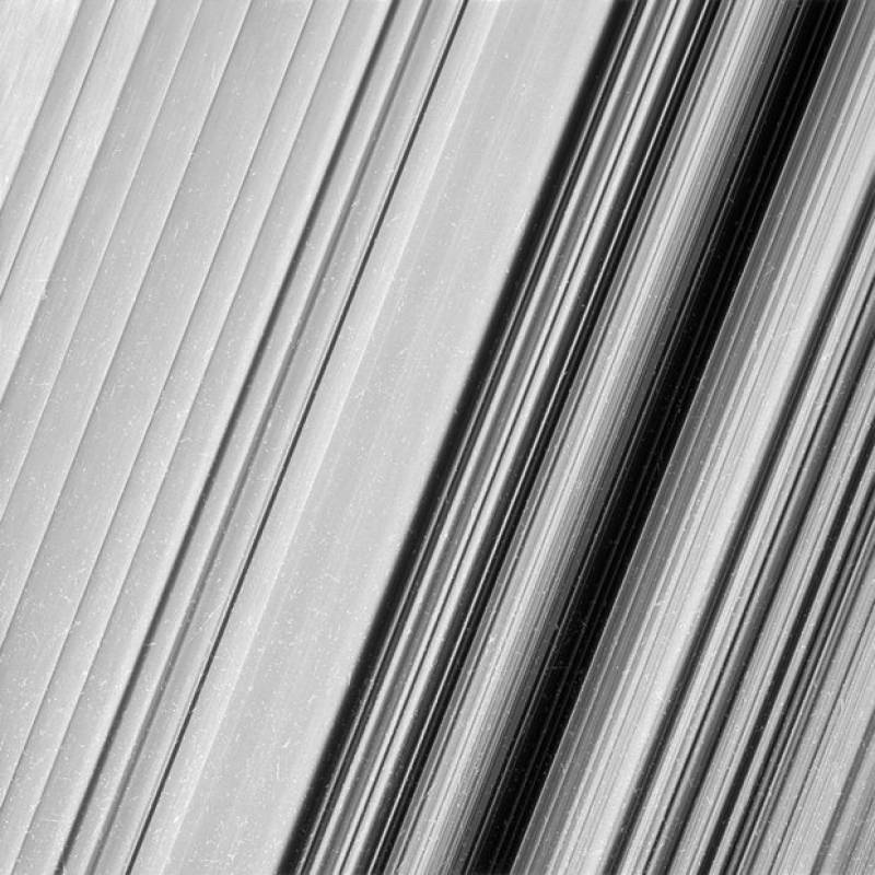 NASA reveals stunning Saturn's ring images
