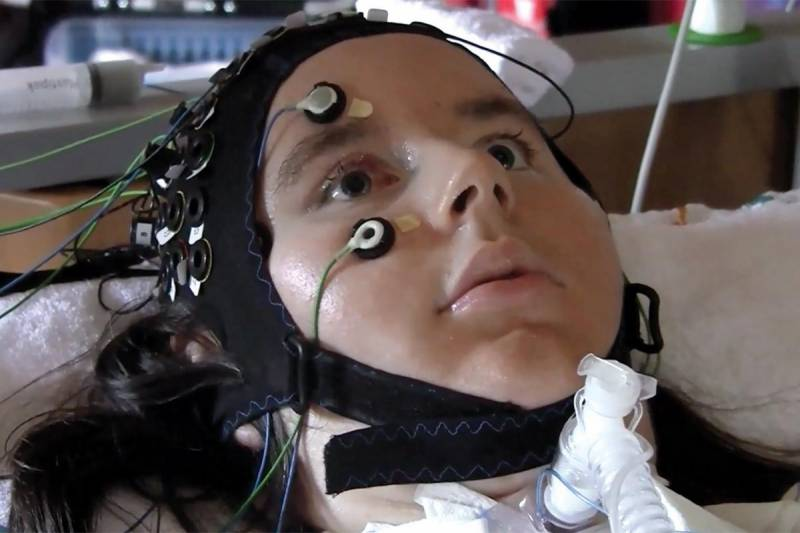 Paralyzed patients can communicate thoughts using brain-computer interface