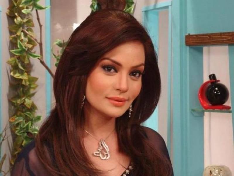 Famous showbiz personality Sadia Imam joins PPP