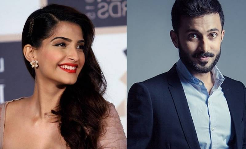 Sonam Kapoor spotted with boyfriend