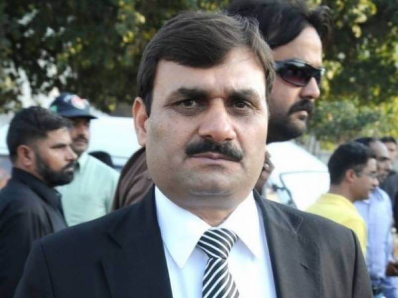 Firing in Haroonabad, PPP leader Shaukat Basra injured, 'PS' Killed