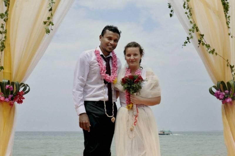 Unique underwater wedding ceremony (Pics)