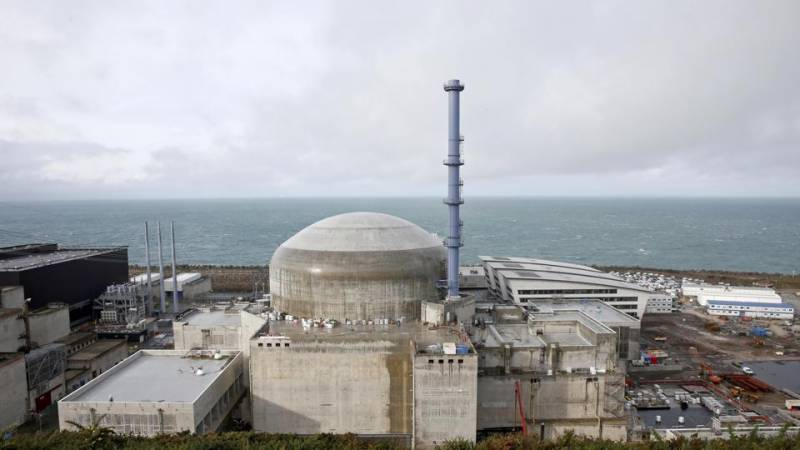 Explosion at French nuclear plant, no contamination risk: officials