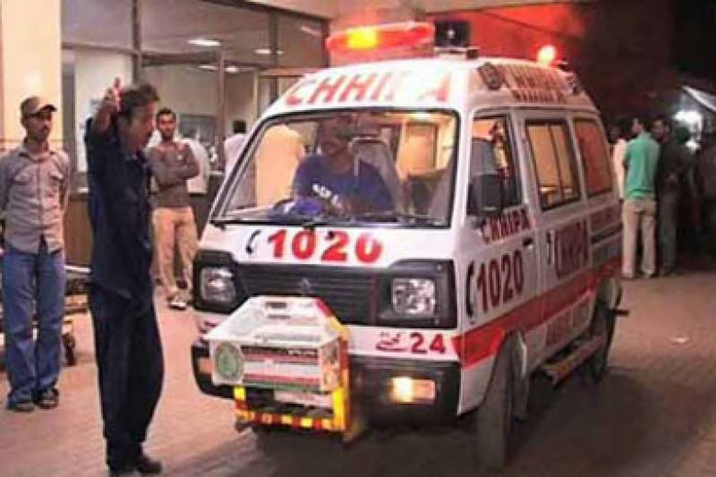 Traffic accident claims life in Karachi