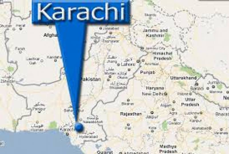 Six killed, 22 wounded as bus overturned in Karachi