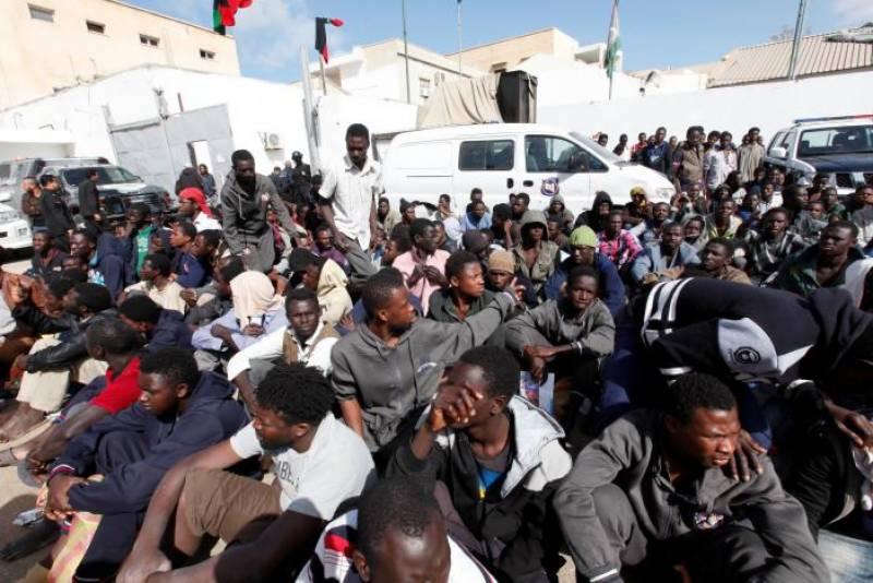 Dead migrants wash up on Libyan beach