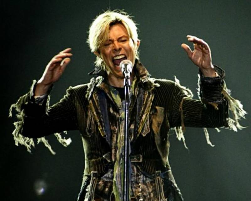 BRIT Awards: Late David honored with two wins