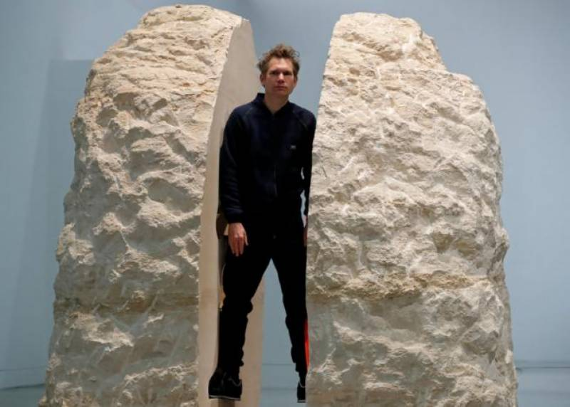 French artist reveals new dimension of art