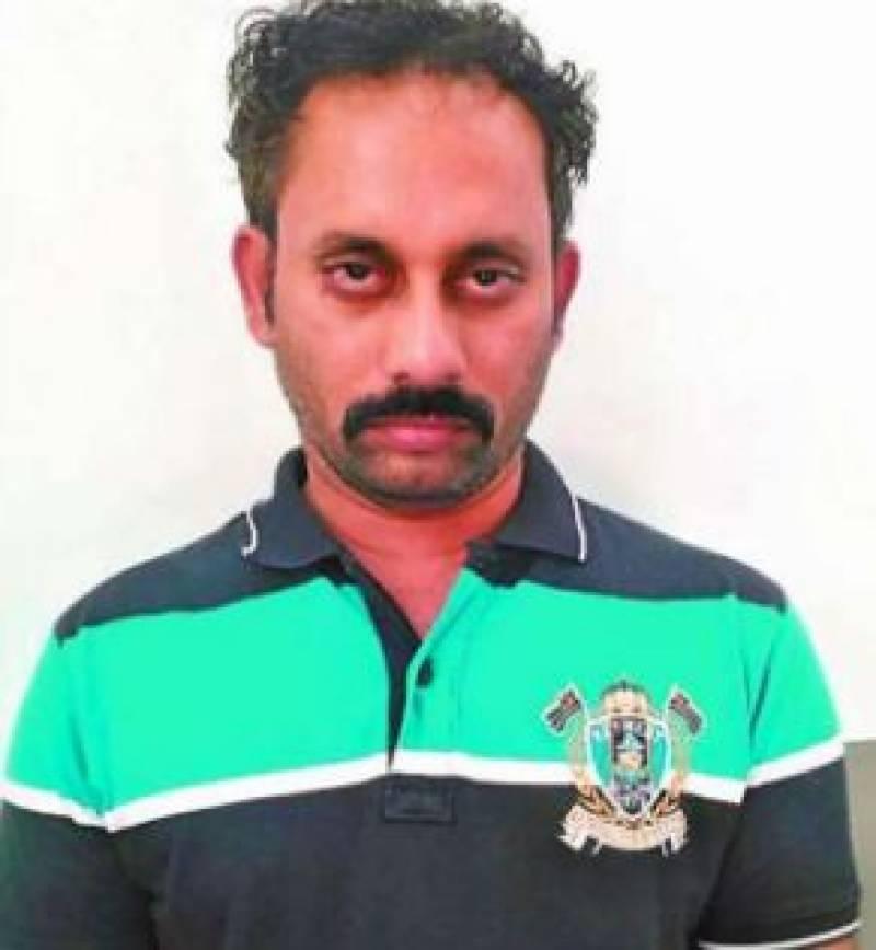 Indian gentleman with 350 Indian girlfriends flees to US