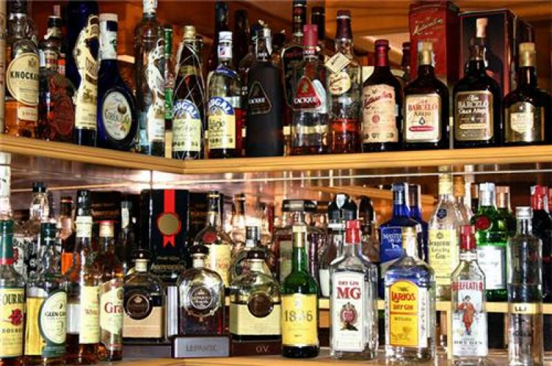 SHC orders shut down of alcohol shops across Sindh
