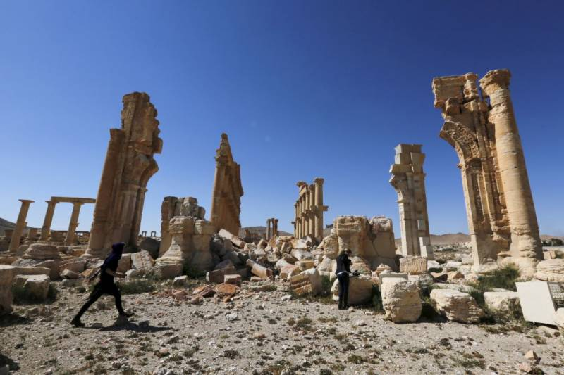 Syrian army recaptures Palmyra from Islamic State