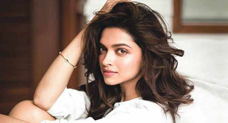 Embarrassment awaited Deepika Padukone at Los Angeles airport