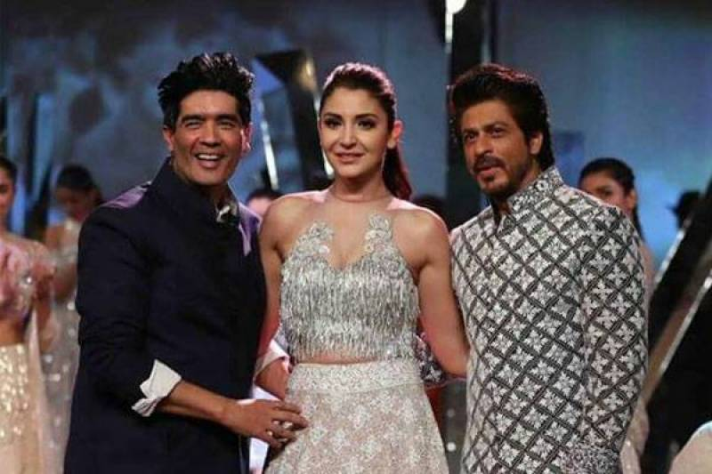 SRK thinks his co-actress complements his grace