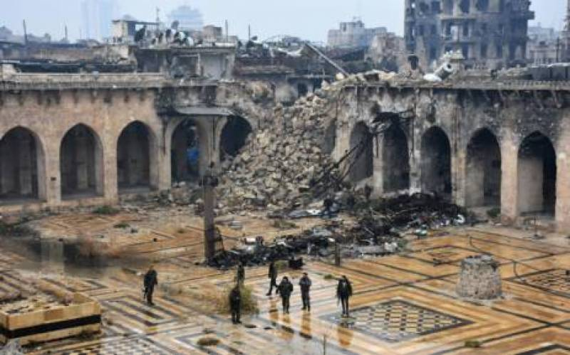 Airstrike on Syrian mosque kills 42, injures 84