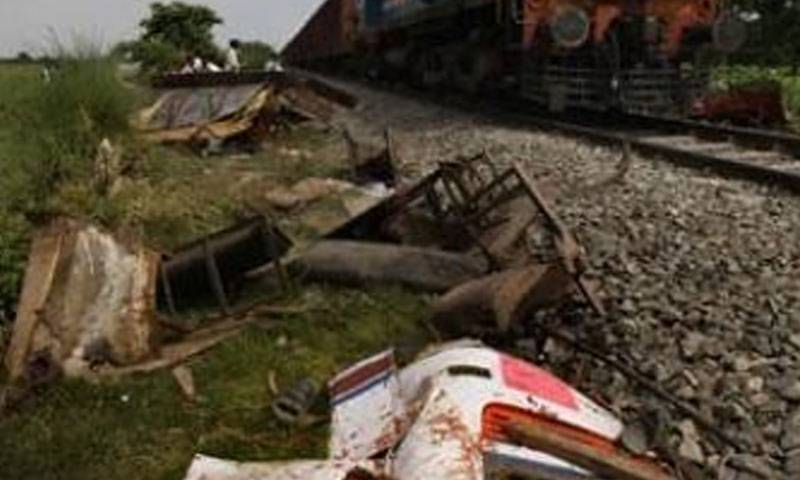 Three cops including SHO Aza Khail killed after train hit car