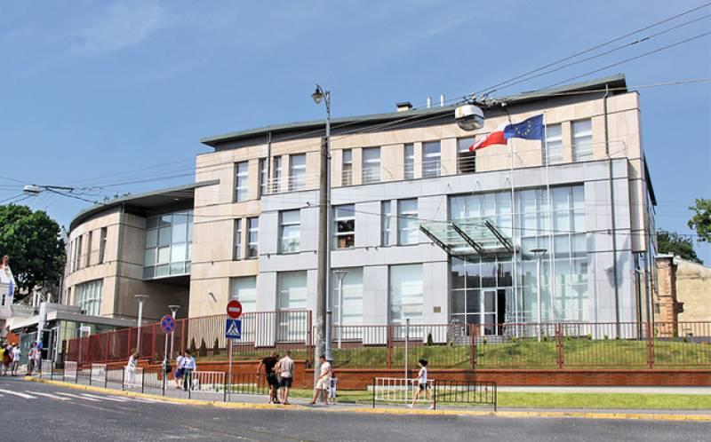 Polish consulate assaulted in Ukraine