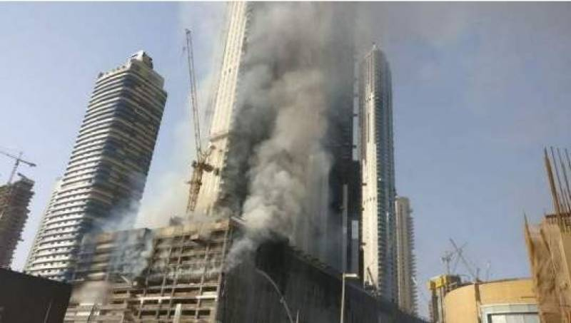 Massive fire engulfs mall in downtown Dubai