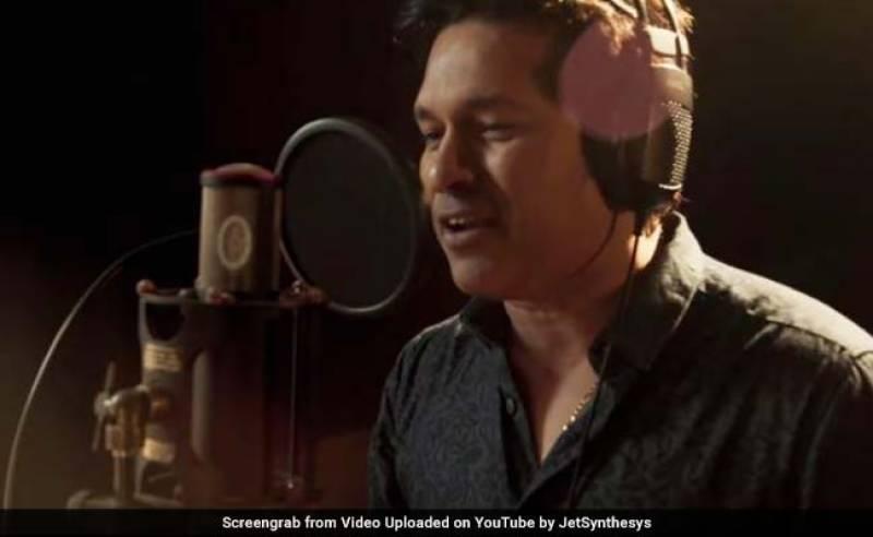 Sachin Tendulkar turns singer