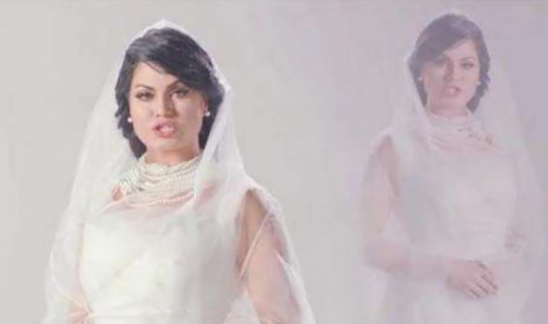Veena Malik's first song wins heart