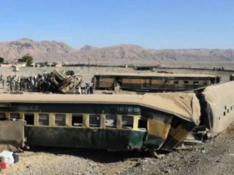 Dozens injured as Jaffar Express derails near Gujranwala