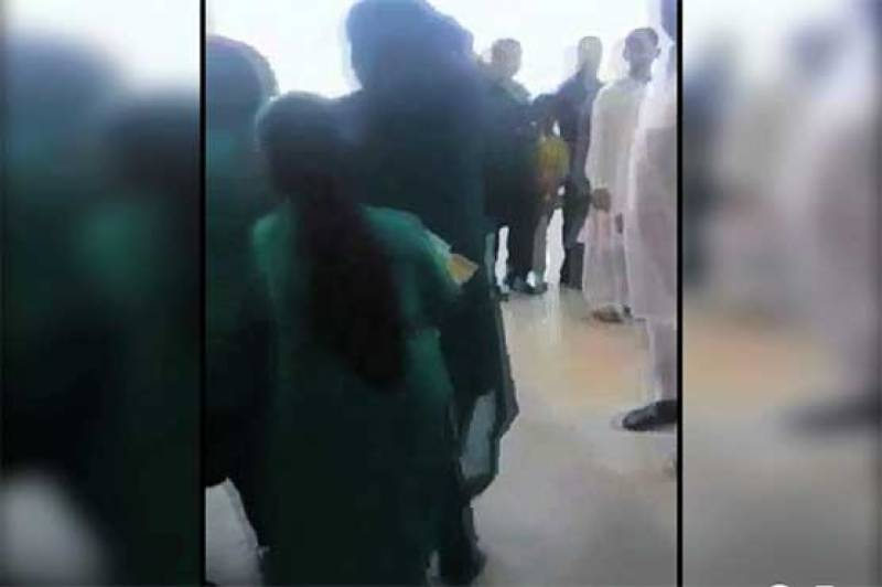 FIA constable suspended for thrashing female passengers at Islamabad airport