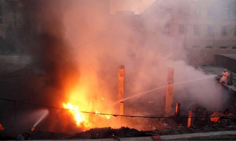 Fires engulfs Karachi's godowns
