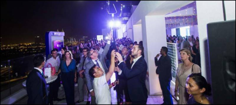 Dubai sets world record for longest 'selfie stick'