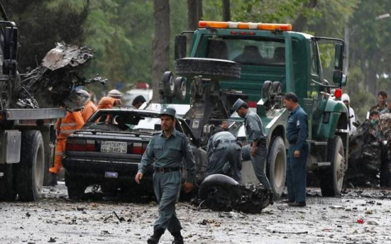 Kabul: 8 killed in suicide attack on NATO convoy