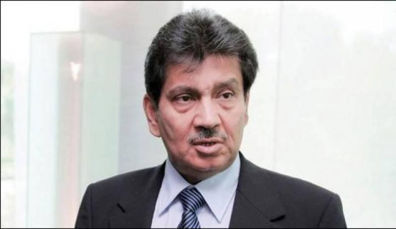 PPP's Faisal Saleh Hayat suffers road accident