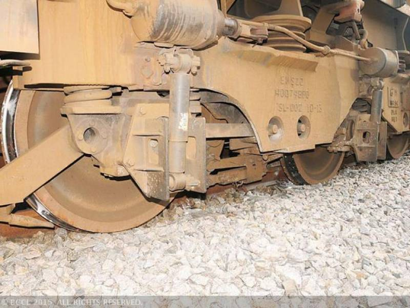 Hyderabad: several bogies derail as trains collide