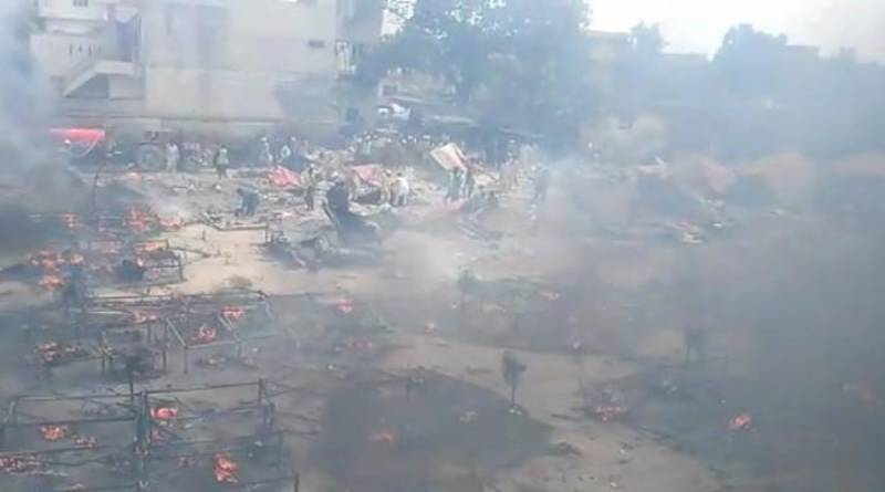 Blaze engulfs over 30 tents near construction site in Lahore