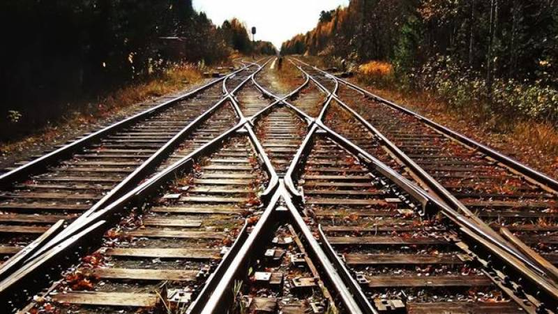 Pakistan signs railway upgradation deal with China