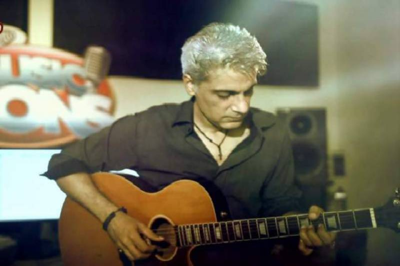 Famous guitarist Aamir Zaki passes away at 49