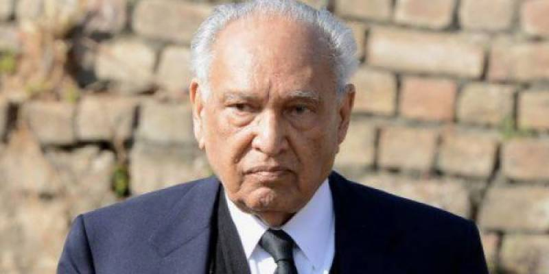 Former AG Sharifuddin Pirzada passes away