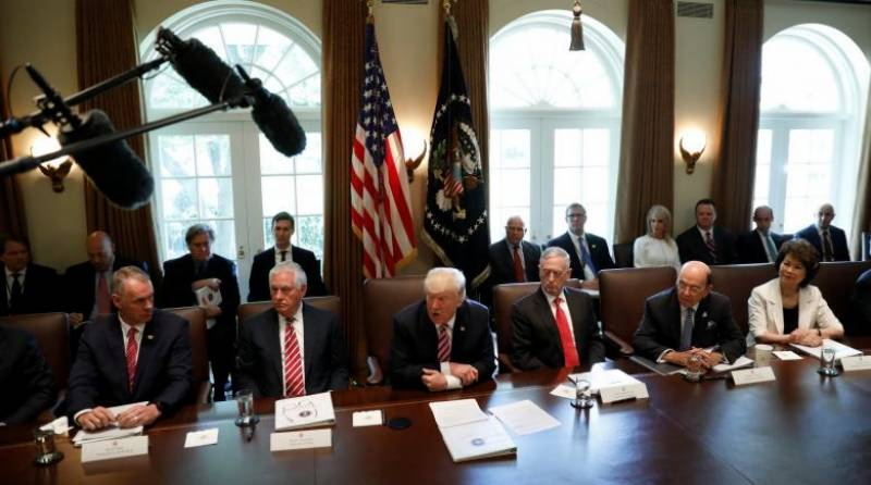 At Trump's Cabinet meeting, flattery is flavor of the day