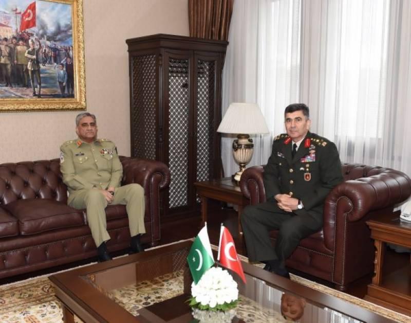 COAS Bajwa visits Turkish Land Forces HQ, Ataturk Mausoleum