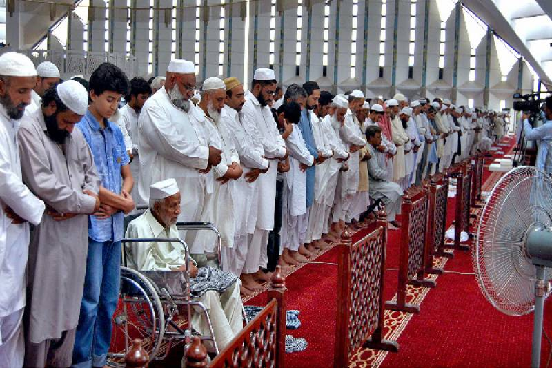 'Juma-tul-Wida' being observed with religious zeal and fervor